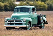 Old cars & trucks / by Lisa Riggs