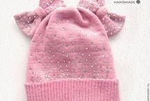 Детские вязаные шапки / Вязаные детские шапки на девочек
