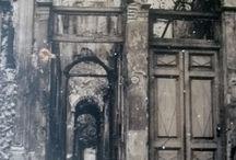 portal / portas, painéis, pintura, arqueologia, velho e novo, uma impressão ! / by Damiria Machado