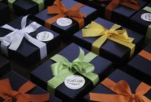 Gift Hampers by The Token Gift Company / Gift Hampers  Find us: FACEBOOK: www.facebook.com/thetokengiftcompany   INSTAGRAM: instagram.com/thetokengiftcompany  #thetokengiftcompany  #gifthampers  #freedelivery
