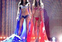 VS Fashion Show 2014 / http://supermoderna.com/victorias-secret-fashion-show-2014/