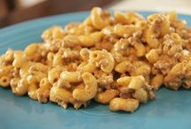 easy weeknight meals / by Bobbi Gronquist