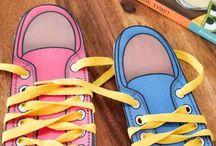 Shoelace tying