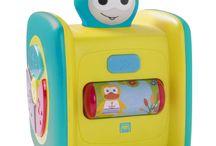 Estimulación para bebés / Juegos y juguetes pensados para estimular la curiosidad y los sentidos de los más pequeños con el fin de ayudarles en su desarrollo global. Calidad garantizada.