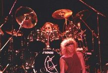 Lou Gramm and drummers of Foreigner