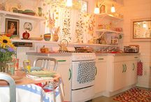 Kitchens / by Dana Schreiner