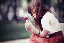صور بنت حزينه جدا
