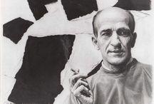 P. Émile Borduas (1905-1960) / Paul-Émile Borduas, né le 1er novembre 1905 à Saint-Hilaire et décédé le 22 février 1960 à Paris, est un peintre, sculpteur et professeur québécois connu pour ses œuvres abstraites.  Il a entre autres rédigé le Refus global1, un manifeste artistique publié en 1948, avec l'appui de quinze cosignataires dont les peintres Jean-Paul Riopelle, Claude Gauvreau, Pierre Gauvreau, Marcel Barbeau, Fernand Leduc et Marcelle Ferron