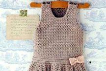 Strikk/knitt / Strikket barne klær/knitted to childrens