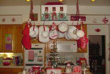 christmas decor / by Violet Ellington