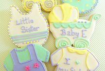 Cupcakes, cookies, macaroons