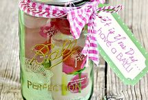 Gift In a Jar / Gifts and gift baskets to make / by Dianne Johnson