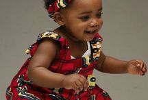 Niños con telas africanas