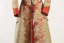 Victorian Dressing & Tea Gowns / by Jennifer Rosbrugh