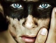 Lato oscuro / Occhi neri