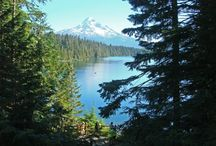 Mt Hood, 1 of the 7 Wonders of Oregon. / There are 7 Wonders of the World, and not a single one of them is here in Oregon. All we can figure is whoever came up with the list must have never set foot here. They must have never seen Mt. Hood.