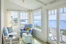 Beach Bungalow / A quintessential 900 SF Beach House