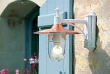 FAROLES DE EXTERIOR / Ideas y propuestas para iluminar y decorar las terrazas y jardines con originales faroles de pared y de sobremuro
