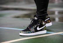 "Air Jordan 1 Retro High (GG) ""BHM"" (739640-045)"
