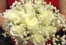 Bridal Bouquets / We design bridal bouquets to fit your style, your wedding and your budget.