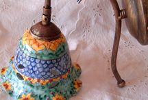 ampanella in ceramica con braccio in metallo anticato., by ilciliegio