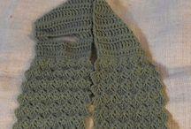 Crochet - Scarves / by Keyla Di