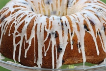 cakes & frostings / by Bobbye Jackson