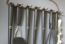 Hanging /hooks/shelves