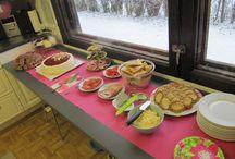Juhlat / Meidän perheen juhlien koristelua ja ruokia