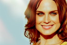 Emily Deschanel <3 / by Angie David DiNozzo