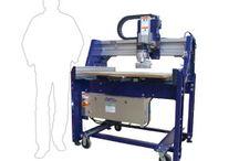 Macchine e strumenti del Fablab Catania. / Cosa c'è nel Fablab oltre le persone che immaginano nuove cose? Ci sono gli strumenti per realizzarle da se.