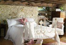 Beautiful Bedrooms / A Romantic Getaway venue MUST have a beautiful bedroom! / by Romantic Gestures