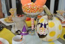 Halloween tables & decor from the Painted Apron / Halloween tables and decorations