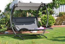 Gartenmöbel - Für stilvolles Entspannen im Garten / Hier findet ihr viele verschiedene Möbel für euren Garten - von dem klassischen Pavillon zur stylischen Rattan-Sitzgruppe.