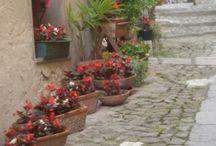 mura vecchie di antiche cittadine