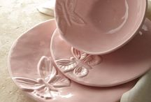 Beautiful dinnerware & tablescapes / by Connie Thelen