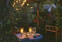 Gorgeous gardens / Inspiration for beautiful outdoor spaces and home gardens - creating a pretty garden and seating areas