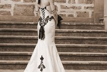 Gothic Wedding / Un matrimonio in stile gotico? Perché no?  In questa board raccogliamo le idee più originali, chic ed eleganti.
