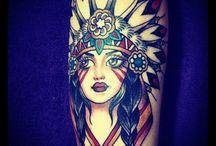 Dívky s tetováním