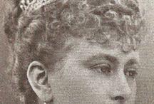 1893 Írisz anyja