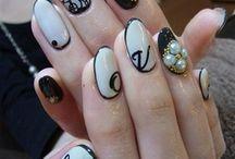 Nails<33