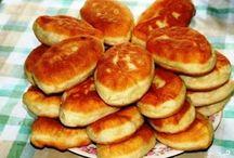 Чебуреки,пирожки,беляши жареные.Самосы,пончики.