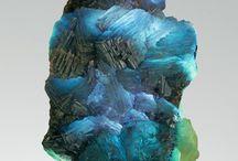 rocks / In colour we trust