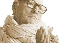 Swámi B. R. Sridhara / Sri Srila Bhakti Rakshaka Sridhara Deva Goswami Maharaja, a Sri Chaitanya Saraswat Matha alapítója,  Indiában született 1895-ben.