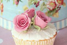 Cupcakes / by eva fabian