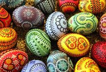 Easter Juevos  / Easter and eggs, decorating, crafts & fun ideas to fill baskets with delight. / by Tobhiyah Monroe