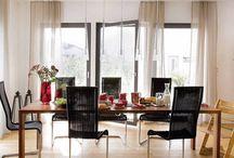 """Moderne Esszimmer / """"Essen ist ein Bedürfnis, genießen eine Kunst"""" - François de La Rochefoucauld. Ein modern und wohnlich eingerichteter Essbereich lässt die Familie gerne an einem Tisch zusammenkommen. Bekannte, Freunde und Verwandte können sich hier von den Kochkünsten der Hausherren überzeugen. Es wird geredet, gelacht, diskutiert. Umso mehr ist es wichtig, dass sich hier alle wohlfühlen."""