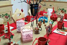 CHRISTMAS TABLE DECORATIONS AND SETTING