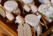 Favours and Gifts / Creative ideas to thank your guests for celebrating your wedding day.