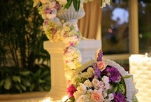 Flowers and Centerpieces / Flowers and centerpieces to inspire through natural beauty and creativity. / by Decor Niche